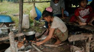 or-kerlow-rimba-publicity-07-cooking-2k